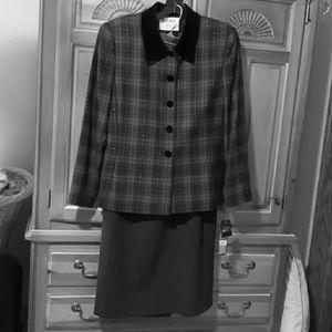 Lasper A.S.L. Petite Ladies Dress Suit, Size 10P